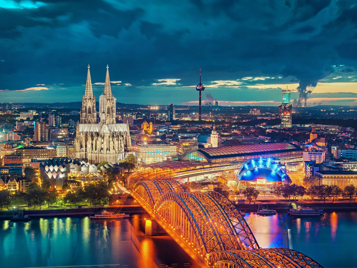 4-3-germany-cologne-cathedral-wallpaper