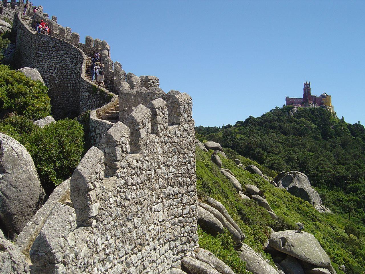 Castelo_dos_Mouros_-_Sintra__Portugal_3